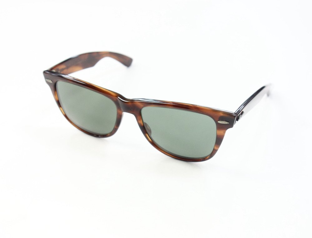 <img class='new_mark_img1' src='https://img.shop-pro.jp/img/new/icons15.gif' style='border:none;display:inline;margin:0px;padding:0px;width:auto;' />VINTAGE RAY-BAN BAUSCH&LOMB社製 WAYFARER2  サングラス MADE IN USA #6 USED
