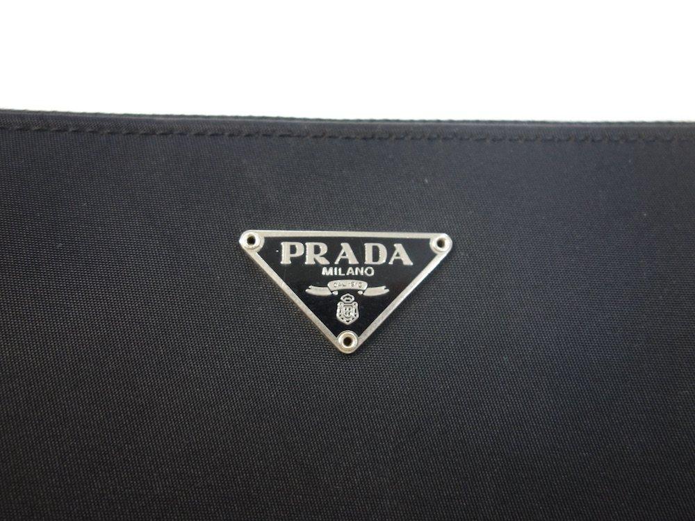 PRADA プラダ  ナイロン ラウンドジップ  長財布 イタリア製 USED