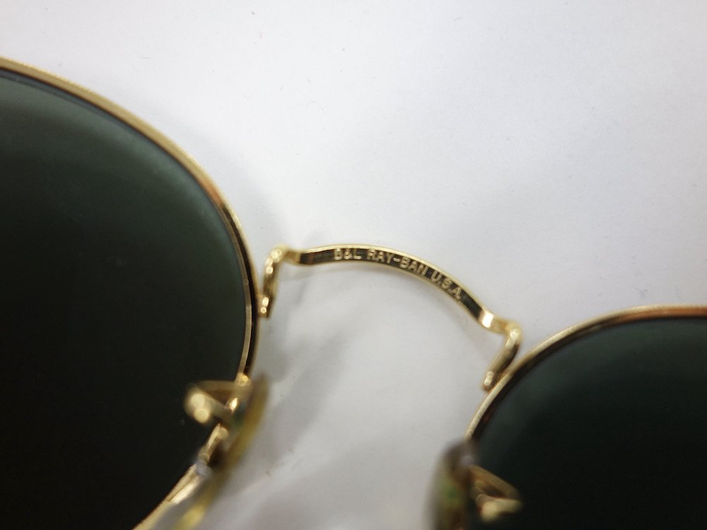 <img class='new_mark_img1' src='https://img.shop-pro.jp/img/new/icons15.gif' style='border:none;display:inline;margin:0px;padding:0px;width:auto;' />VINTAGE RAY-BAN BAUSCH&LOMB社製 ROUND METAL GOLD サングラス MADE IN USA USED