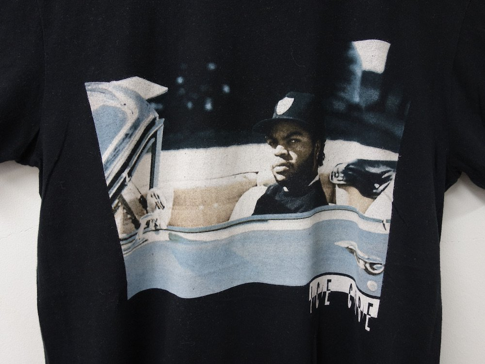 <img class='new_mark_img1' src='https://img.shop-pro.jp/img/new/icons15.gif' style='border:none;display:inline;margin:0px;padding:0px;width:auto;' />ICE CUBE  オフィシャルライセンス Tシャツ  USED