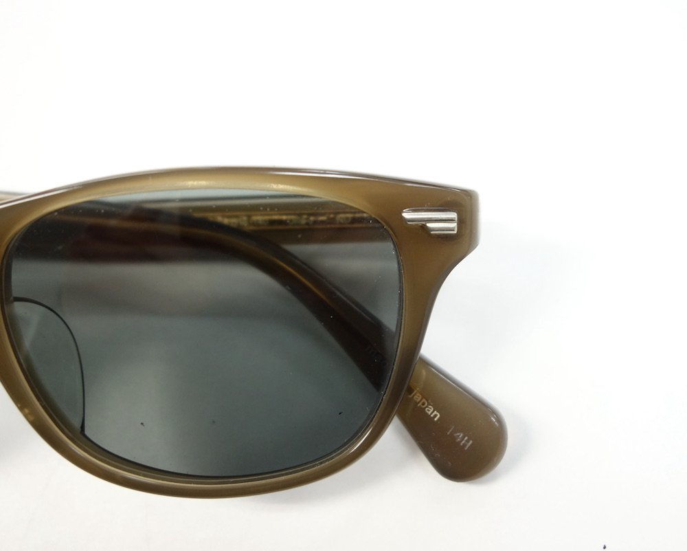 <img class='new_mark_img1' src='https://img.shop-pro.jp/img/new/icons15.gif' style='border:none;display:inline;margin:0px;padding:0px;width:auto;' />OLIVER PEOPLES OLLIE-J ND 49□18 140 日本製  USED