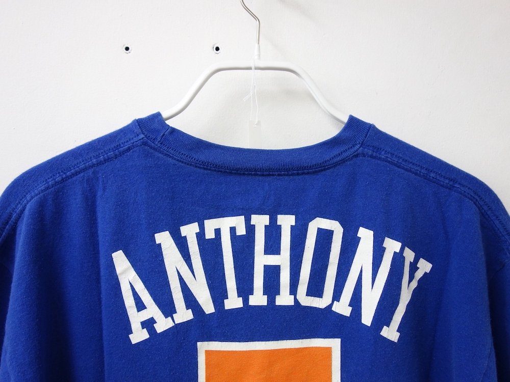 <img class='new_mark_img1' src='https://img.shop-pro.jp/img/new/icons15.gif' style='border:none;display:inline;margin:0px;padding:0px;width:auto;' />Majestic New York Knicks Tシャツ USED
