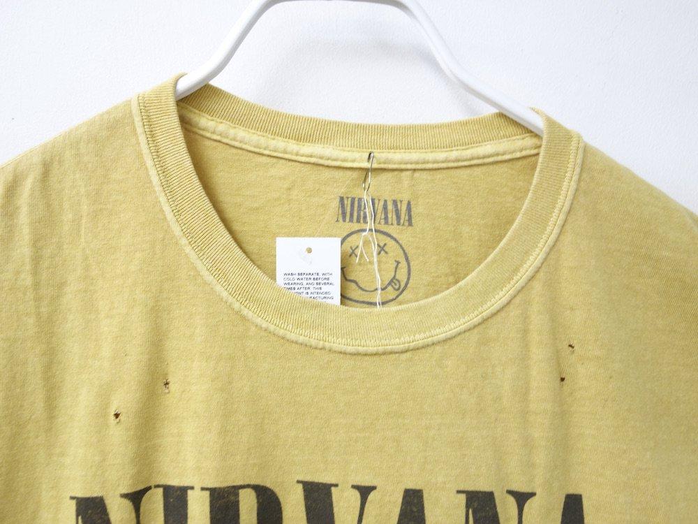 <img class='new_mark_img1' src='https://img.shop-pro.jp/img/new/icons15.gif' style='border:none;display:inline;margin:0px;padding:0px;width:auto;' />海外限定  オフィシャル Nirvana SMILE オーバーサイズ Tシャツ