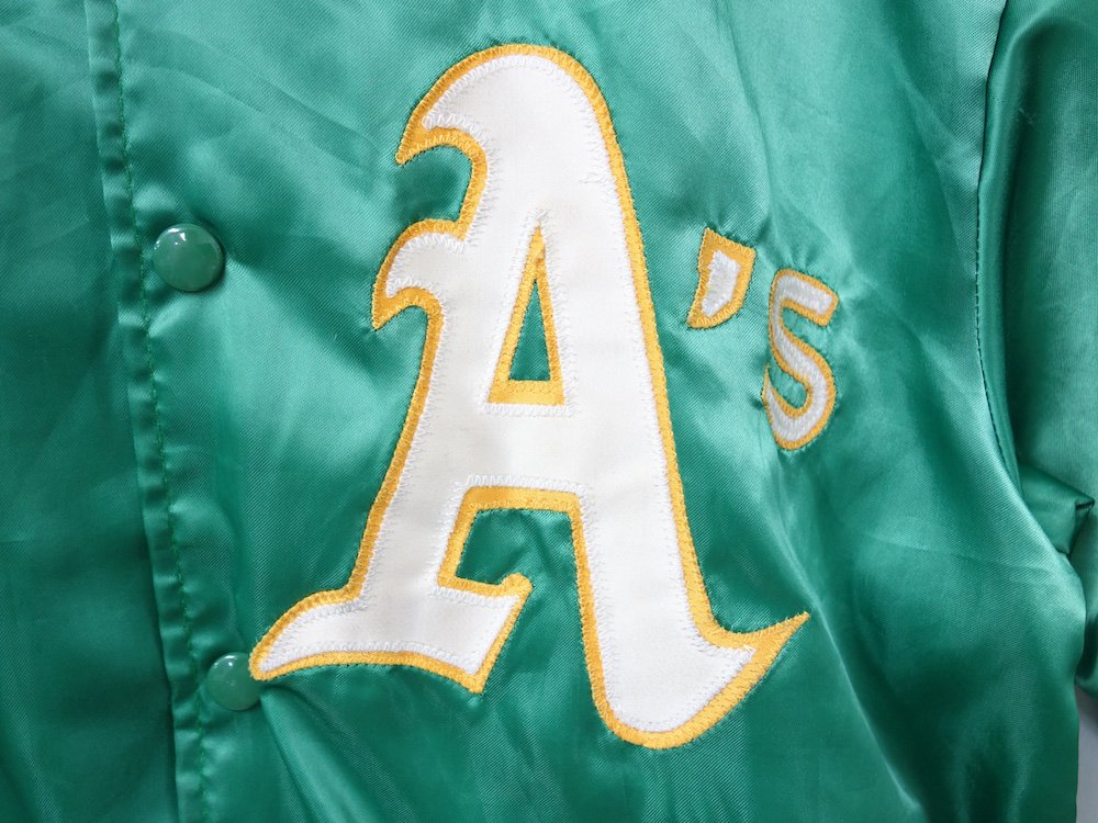 <img class='new_mark_img1' src='https://img.shop-pro.jp/img/new/icons15.gif' style='border:none;display:inline;margin:0px;padding:0px;width:auto;' />Vintage Felco MLB Oakland Athleticsスタジャン  USA製 USED