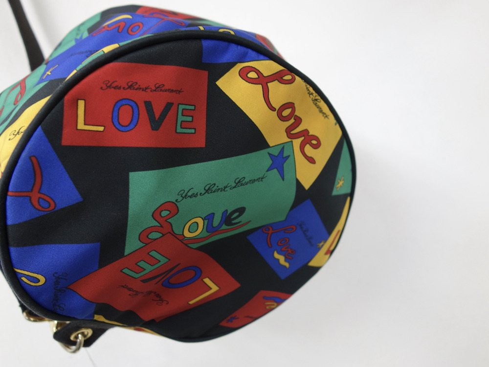<img class='new_mark_img1' src='https://img.shop-pro.jp/img/new/icons15.gif' style='border:none;display:inline;margin:0px;padding:0px;width:auto;' />Vintage Yves Saint Laurent イヴサンローラン LOVE ワンショルダーバッグ  フランス製 USED