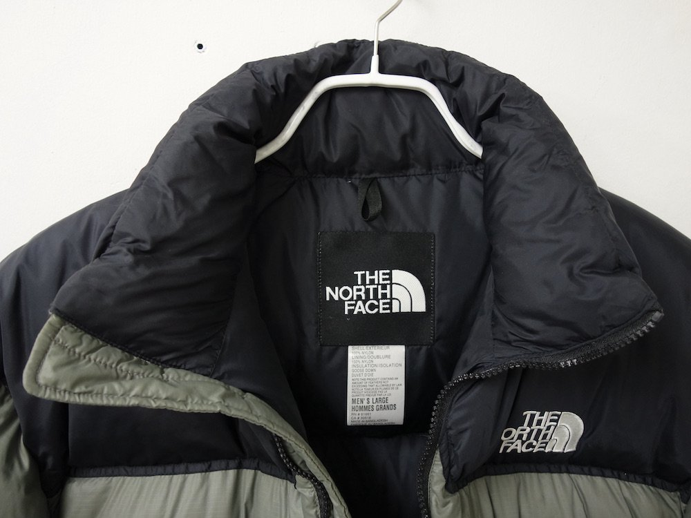 <img class='new_mark_img1' src='https://img.shop-pro.jp/img/new/icons15.gif' style='border:none;display:inline;margin:0px;padding:0px;width:auto;' />THE NORTH FACE ノースフェイス ヌプシ ダウンジャケット  grey USED