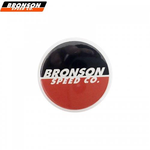 【BRONSON ブロンソン スケボー バッヂ】1-1/4 BUTTON 缶バッチ BRONSON 3cm ブラック/オレンジ NO1