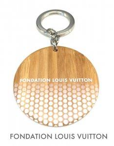 パリ限定!LOUIS VUITTON/ルイヴィトン美術館/ラウンドキーチェーン/ウッドキーホルダー/キーリング/FONDATION LOUIS VUITTON