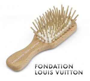 パリ限定!LOUIS VUITTON/ルイヴィトン美術館/木製ヘアブラシ/コンパクトウッドヘアブラシ/FONDATION LOUIS VUITTON