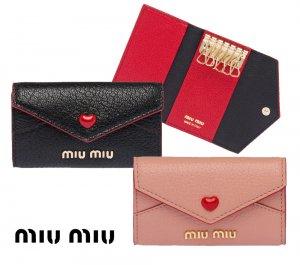 【2021年秋冬モデル】MiuMiu(ミュウミュウ)マドラスラブ キーケース レザーキーホルダー Madras Love leather Keycase NERO ORCHIDEA ブラック ピンク<img class='new_mark_img2' src='https://img.shop-pro.jp/img/new/icons16.gif' style='border:none;display:inline;margin:0px;padding:0px;width:auto;' />