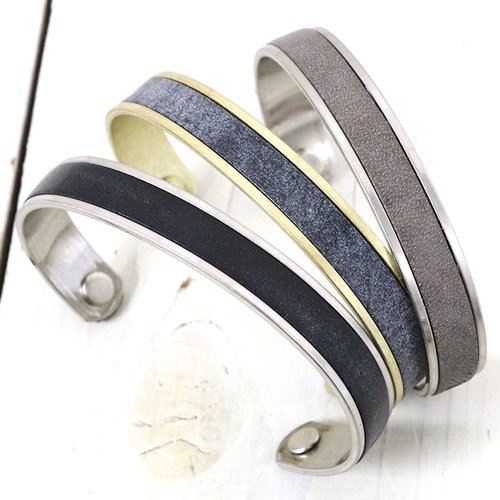 hobo『Brass Bracelet S with Oiled Cow Leather』