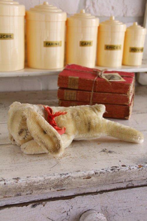 アンティークシュタイフお眠りウサギちゃん