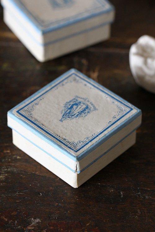 アンティークルルドの泉のマリア様小さな紙箱プチS-B