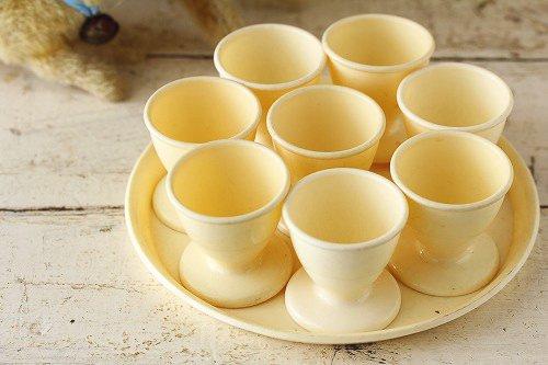 ヴィンテージエッグカップ&トレイセットクリーム
