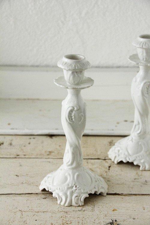 アンティーク陶器ホワイトキャンドルスタンドA
