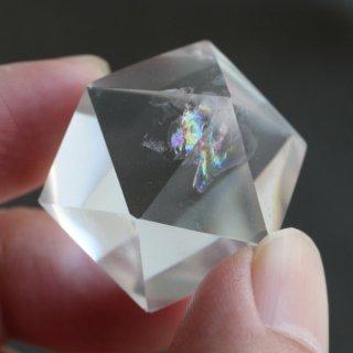 【写真現品お届け】正20面体 約32グラム 天然レインボー水晶 2000900802788-1 送料無料