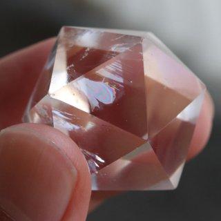 【写真現品お届け】正20面体 約35グラム 天然レインボー水晶 2000900802788-2 送料無料