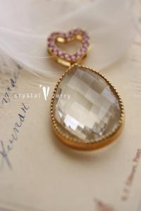18金 イエローゴールド 水晶×ピンクサファイア ハートしずくペンダントトップ