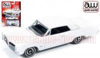 Autoworld 1964 ポンティアック グランプリ ホワイト 1:64