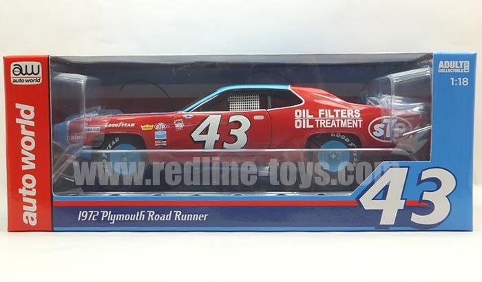 AutoWolrd '72 プリムス ロードランナー リチャード・ペティ  1:18