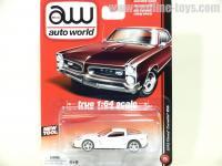 AutoWorld 2012 シボレー コルベット Z06 ホワイト 1:64