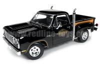 AutoWorld 1978 ダッジ MIDNITE EXPRESS ピックアップ ブラック 1:18<img class='new_mark_img2' src='https://img.shop-pro.jp/img/new/icons16.gif' style='border:none;display:inline;margin:0px;padding:0px;width:auto;' />