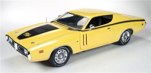 オートワールド 1971 ダッジ チャージャー R/T 1:18 イエロー