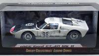 シェルビーコレクティブルズ 1966 フォード GT40 MkII ホワイト 1:18