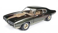 AutoWolrd 1969 ポンティアック GTO ハードトップ Royal Bobcat 1:18<img class='new_mark_img2' src='https://img.shop-pro.jp/img/new/icons16.gif' style='border:none;display:inline;margin:0px;padding:0px;width:auto;' />