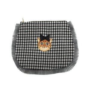 <img class='new_mark_img1' src='//img.shop-pro.jp/img/new/icons1.gif' style='border:none;display:inline;margin:0px;padding:0px;width:auto;' />Dora Clutch Bag