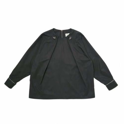 <img class='new_mark_img1' src='https://img.shop-pro.jp/img/new/icons61.gif' style='border:none;display:inline;margin:0px;padding:0px;width:auto;' />VL Button Blouse