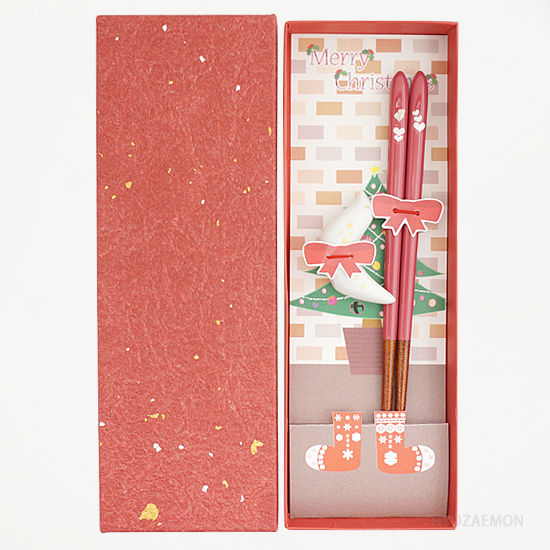 <img class='new_mark_img1' src='https://img.shop-pro.jp/img/new/icons7.gif' style='border:none;display:inline;margin:0px;padding:0px;width:auto;' />クリスマス限定パッケージ 18cm箸置き付セット