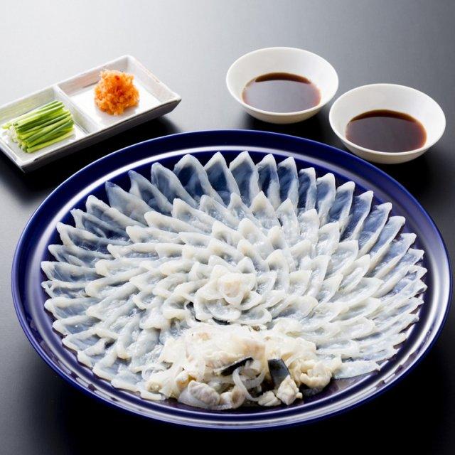 【送料無料】とらふく刺身セット(小)2〜3人前 陶器皿盛り