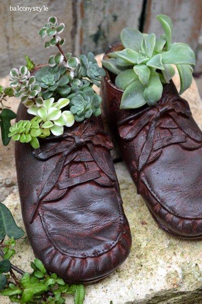 小さな革靴のオブジェ