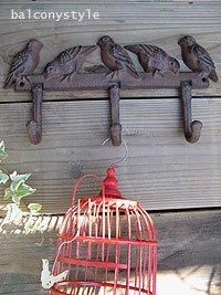 鳥かごやガーデンツール