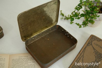 アンティーク缶ボックス ブリキ製 tin box