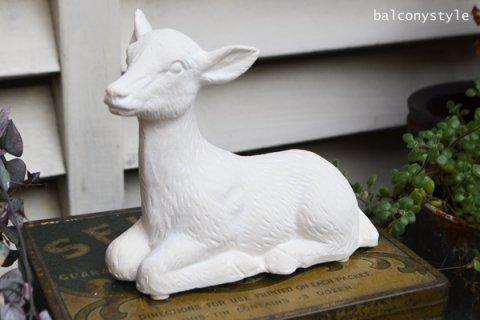 バンビ鹿の陶器オブジェ