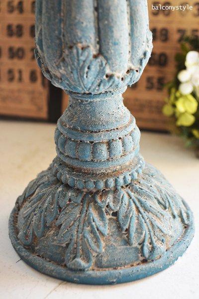 ブルーの古びた風合のシャビーキャンドルスタンド3灯