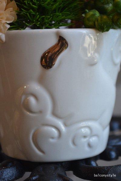 干支サルをモチーフにした陶器入りお正月アレンジメント
