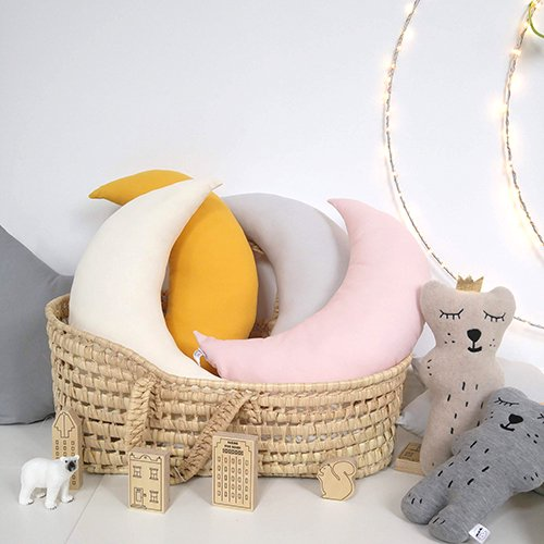 <img class='new_mark_img1' src='https://img.shop-pro.jp/img/new/icons6.gif' style='border:none;display:inline;margin:0px;padding:0px;width:auto;' />Moon Cushion (natural/pink powder/yellow mustard/lt grey) by The Butter Flying