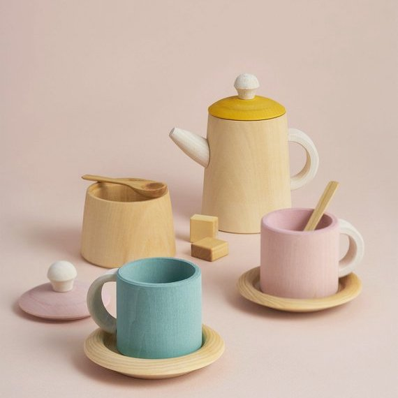 Tea set by Raduga Grez