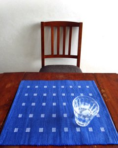 手織りコットンランチョンマット【Sat.Ranjee】北欧デザイン  【チャルコナ】 ブルー