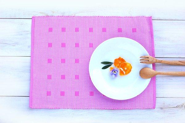 手織りコットンランチョンマット【Sat.Ranjee】北欧デザイン  【チャルコナ】 パステルピンク