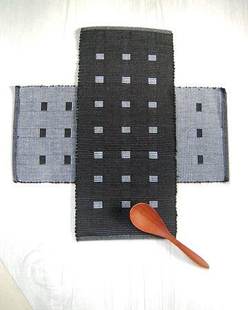 手織りコットンランチョンマット【Sat.Ranjee】北欧デザイン  【チャルコナ】 ブラック 36×16cm