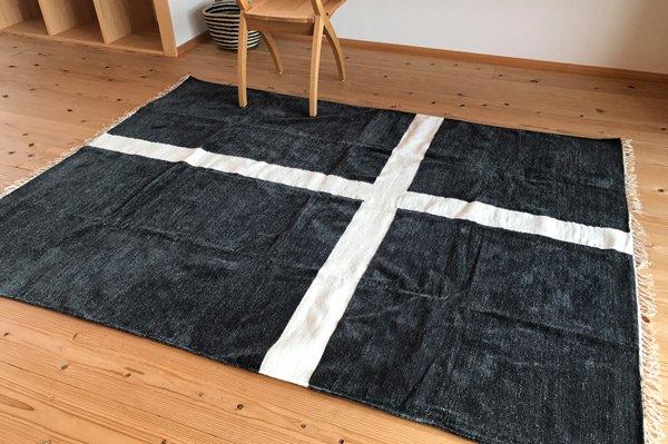 北欧デザイン ラグ『 クロス 』 ダークグレー 210×140