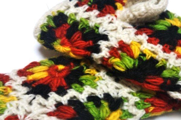 手編みハンドウォーマー フラワーモチーフ .カラーあり