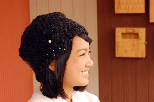 クロッシェニットキャップBeanie(ニット帽)  フラワーモチーフ ブラック