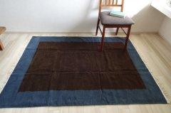 北欧デザイン ラグ【フレーム】濃紺×茶 150×120 サイズあり