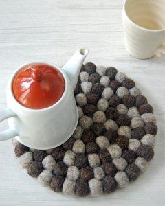 羊毛フェルト ポットマット 鍋敷き 2色あり
