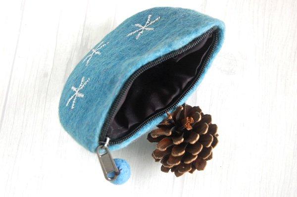 羊毛フェルトポーチ 小物入れ 北欧デザイン